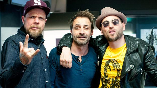 Besuch aus Berlin! SRF 3 Moderator Dominic Dillier zusammen mit den Beatsteaks.