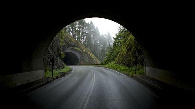 Strassentunnel in Alpen