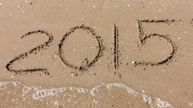 """""""2015"""" in den Sand geschrieben"""