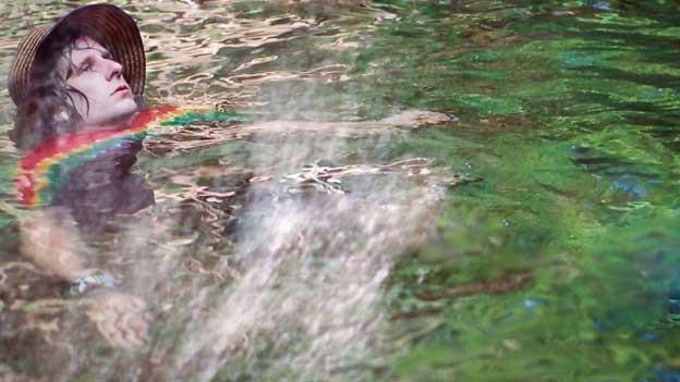 Psychedelische Electro-Experimente. Oder Schwimmen mit dem Regenbogen.
