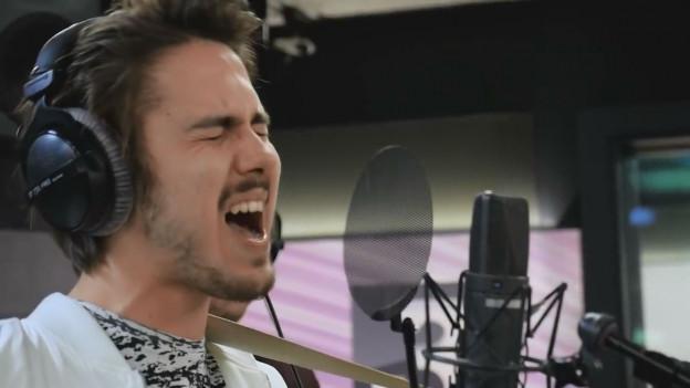 Silvan Kuntz ist Songschreiber, Sänger und Gitarrist bei Panda Lux