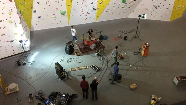 Jack Slamer filmten ihre Video-Challenge in der Winterthurer Kletterhalle