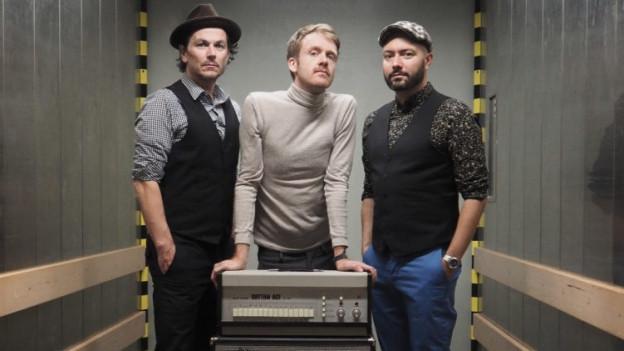 Die Luzerner Band Hermann kommt mit Drumcomputer live zu SRF 3