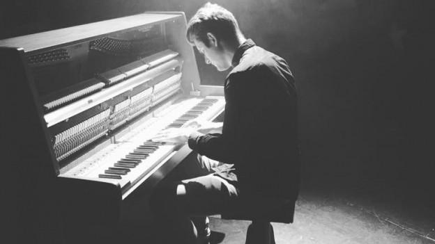 Bereits letzten Samstag spielte Flavian Graber von We Invented Paris im Fabriggli Buchs eine Solo-Show ohne seine Band