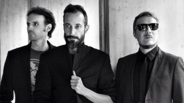 Joas Haefliger (Schlagzeug), Marco Jeitziner (Gesang und Gitarre) und Max Ghitti (Bass) sind Martha's Laundry