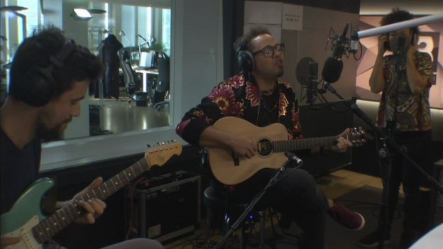 Marc Sway spielte «Way Back Home» live im SRF 3-Studio