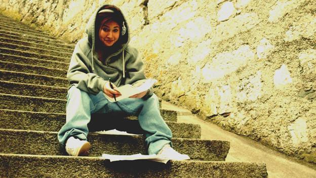 J Who - 19 Jahre alt.