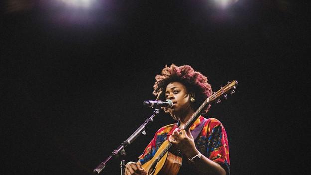 Eine Stimme wie ein gefallener Engel - Strassenmusikerin Victory Boyd