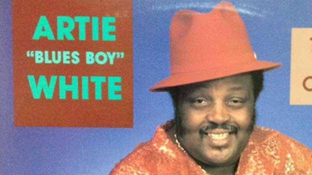 Neue musikalische Inspirationen? Her damit! Artie Blues Boy White.