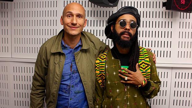 Reggae-Special-Macher Lukie Wyniger und Protoje.