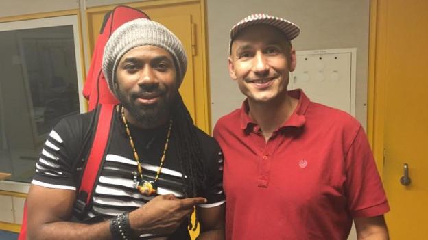Hezron mit Reggae Special-Macher Lukie Wyniger im Studio