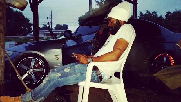 Bugle vor seinem Auto in Kingston, im Januar kommt sein neues Album