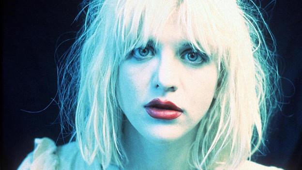 Courtney Love, Frontfrau von Hole.