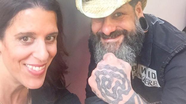Ein Herz für Tatoos und Gypsy/Balkan Sound: DJ Rock Gitano legt bei Rahel Giger seine Lieblinge auf.