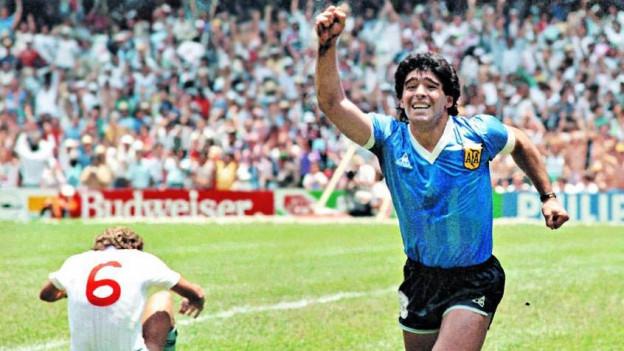Zum Glück hat er besser Fussball gespielt, als gesungen. Maradona in Aktion am 22. Juni 1986 am legendären WM-Viertelfinals zwischen Argentinien und England.