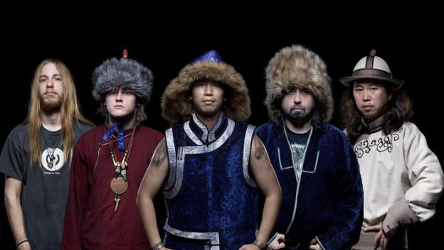 Tengger Cavalry kreuzen traditionelle, asiatische Instrumente und Kehlkopfgesang zu einem exotischen Folk Metal.