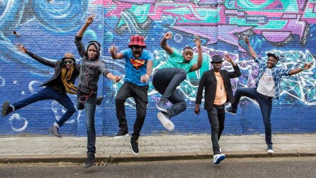 «Mokoomba», die Stars aus Zimbabwe, sind mit ihrem neuen Album Headliner der Southern Africa Night am 1. Juni im Konzertprogramm von Afro-Pfingsten (29. Mai bis 05. Juni 2017).