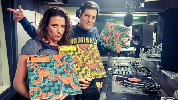 DJ Air Afrique legt auf! Im World Music Special gibt es nur Vinyl auf die Ohren und auch ein Vinyl-Dreierpack zu gewinnen. Mit an Bord ist das Motherland Soundsystem aus Zürich.