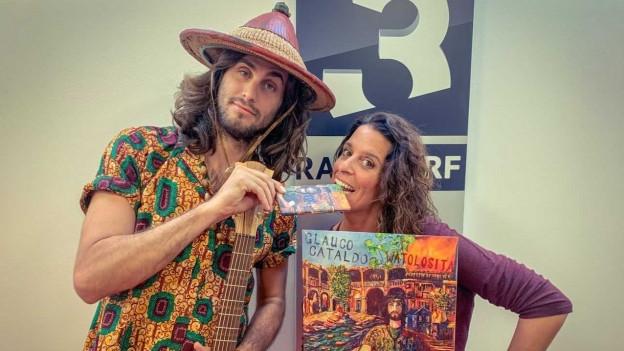 Zum Anbeissen: die Schokolade mit Download-Code ist auch gleichzeitig Glauco Cataldo neues Album  «Watolosita» - eine Kostprobe gibt es in der Live-Session im World Music Special mit Rahel Giger