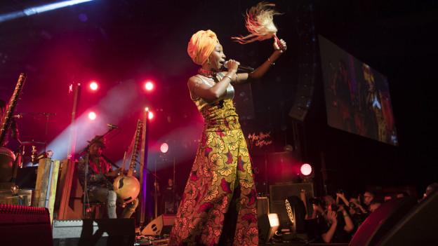 Auch im 2017 stand Fatoumata Diawara aus Mali auf der Bühne des Montreux Jazz Festival.