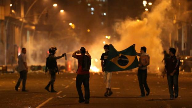 Nach tagelangen Protesten in Brasilien haben die Behörden eingelenkt.