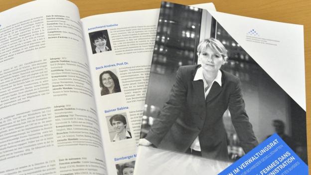Prospekt mit Frauen in Verwaltungsräten