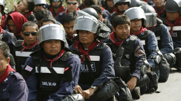 Polizei setzt auf Gewaltlosigkeit.