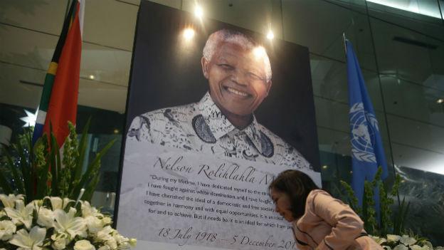 Südafrikaner nehmen Abschied von Nelson Mandela.