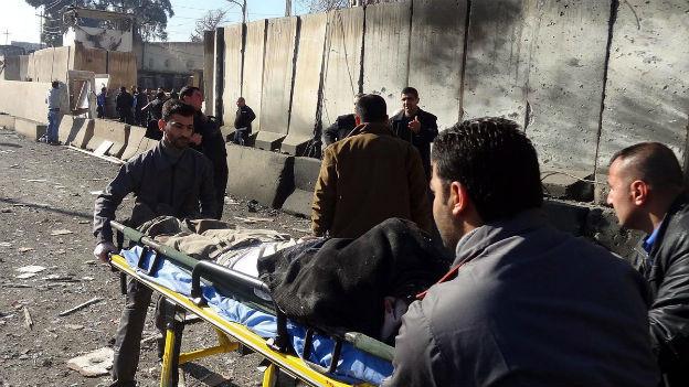 Nach einem Selbstmordanschlag in Kirkuk am 3. Februar 2013