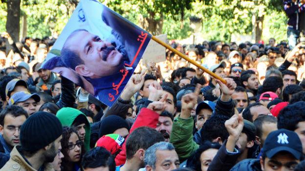 Unzufriedene protestieren auf Tunesiens Strassen.