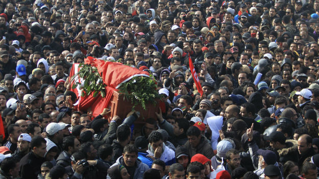 Tunis: Tausende an der Beerdigung von Oppositionspolitiker Belaid