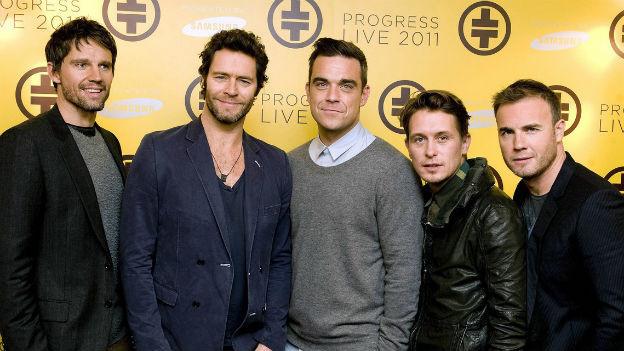 """""""Take That"""", das sind Jason Orange, Howard Donald, Robbie Williams, Mark Owen and Gary Barlow. Hier am 26. Oktober 2010 nach der Ankündigung ihrer ersten Tour nach 16 Jahren"""