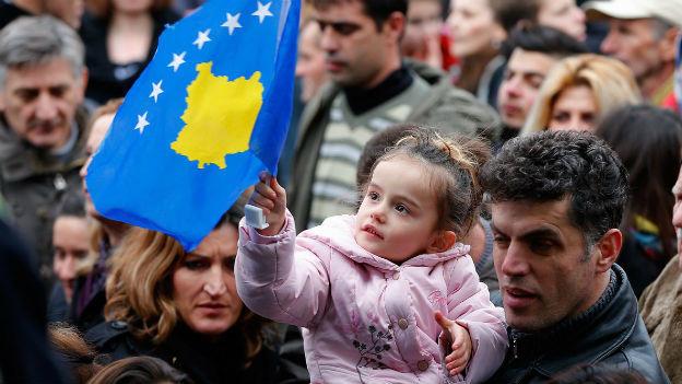 Kosovaren feiern fünf Jahre Unabhängigkeit