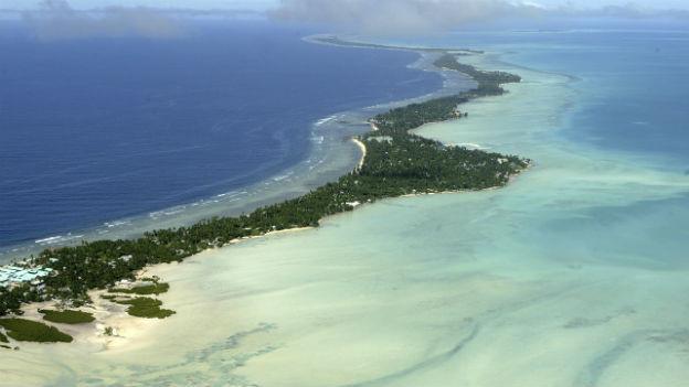Trügerisches Paradies: Das Volk auf Kiribati ist sprichwörtlich dem Untergang geweiht.