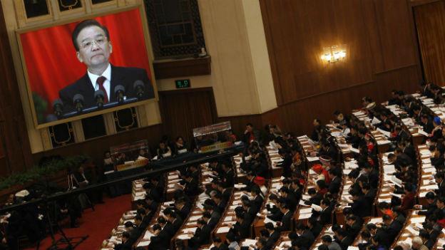 Wen Jiabao spricht vor dem Volkskongress.