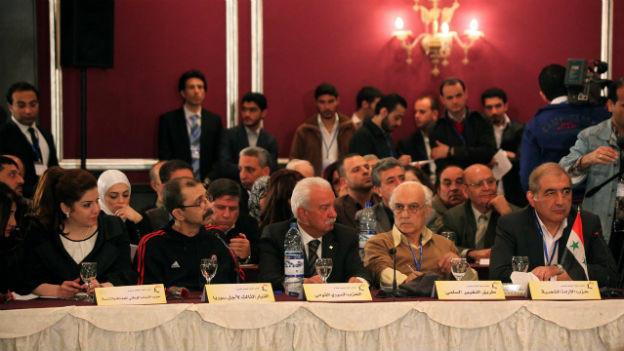 Das Syrische Dialogforum bei seiner Tagung vom Wochenende.