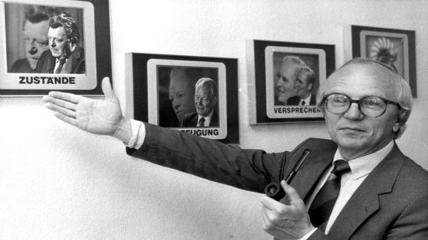 Friedrich Nowottny (in seinem Büro, 1985)