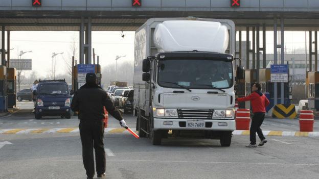 Ein südkoreanischer Lastwagen an der Grenze zum Norden.