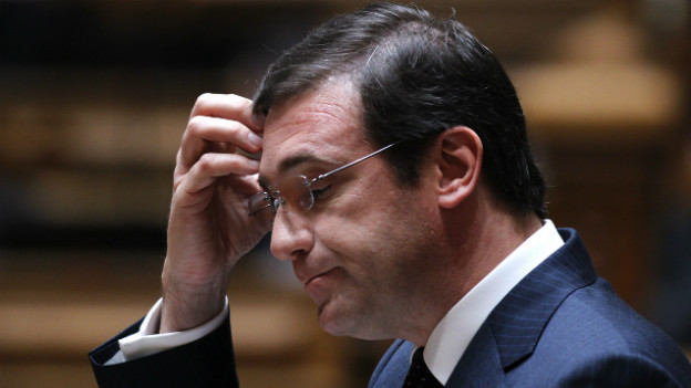 Für Portugals Premier Passos Coelho ist nach dem Urteil des Verfassungsgerichts guter Rat teuer.