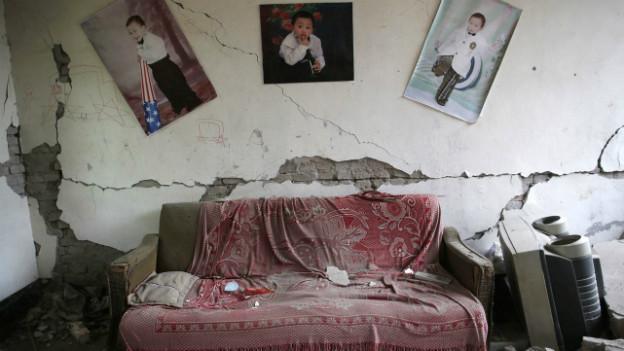 Erdbebenschäden: eingestürztes Haus in Ya'an.