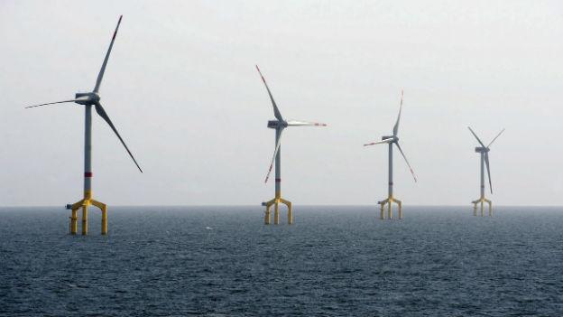Deutschlands erster kommerzieller Windpark in der Nordsee in der Nähe von Borkum wurde im April 2011 in Betrieb genommen