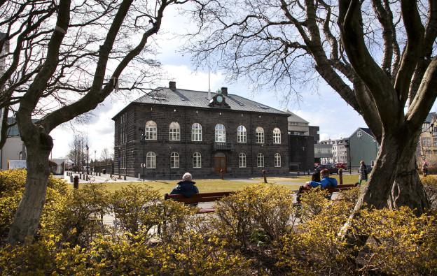 Das isländische Parlamentsgebäude in Reykjavik.