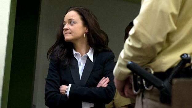 Die Hauptangeklagte Beate Zschäpe beim Prozessauftakt am 6. Mai 2013.