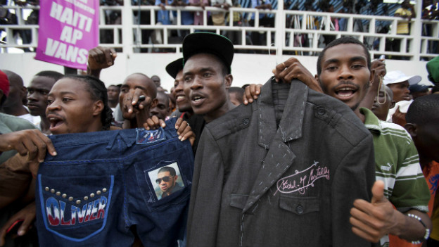 Anhänger von Präsident Martelly bei einer Kundgebung in Port-au-Prince.
