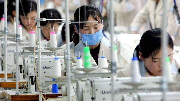 Nordkoreanische Arbeiterinnen im Industriepark Kaesong im Februar 2006