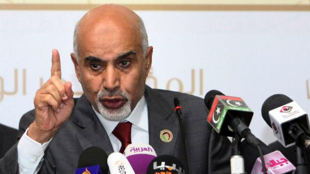 Gadhaffi-Gegner Mohammed al-Magarief tritt ab.