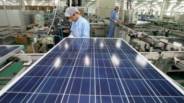 Produktion von Solarpanels in China.