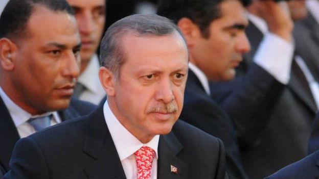 Ministerpräsident Erdogan zeigt seine harte Seite.