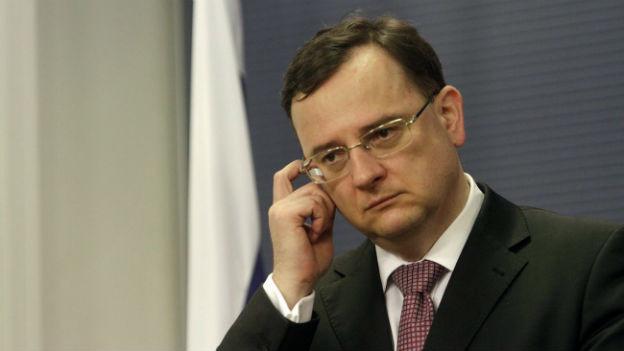 Der tschechische Premierminister Necas tritt zurück.