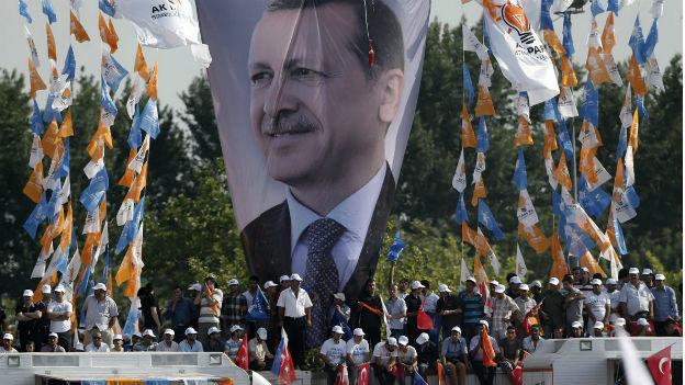 Erdogan-Unterstützer bezeugen ihre Sympathien.